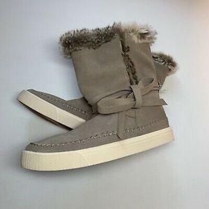 Toms Boots Desert Vista Taupe Faux Fur Sz 9M